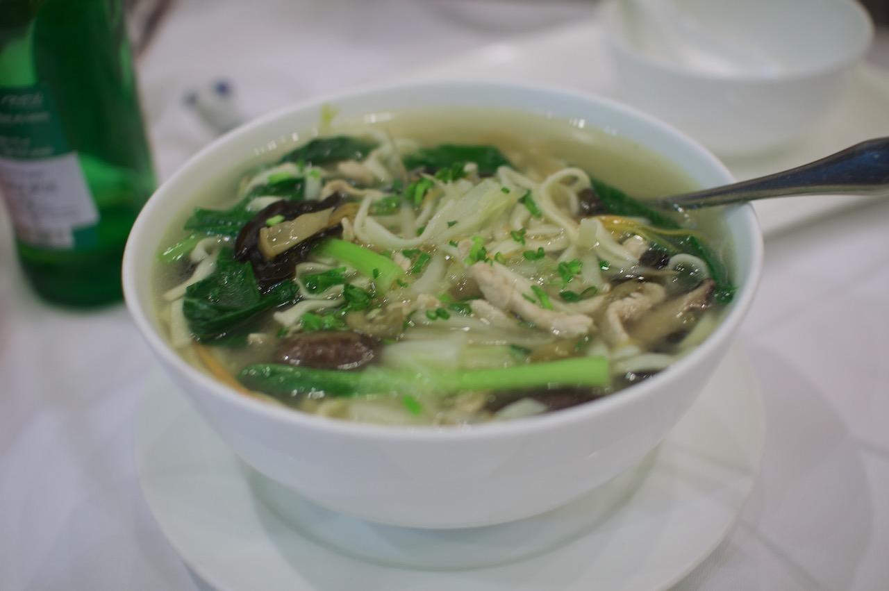 中華屋の麺