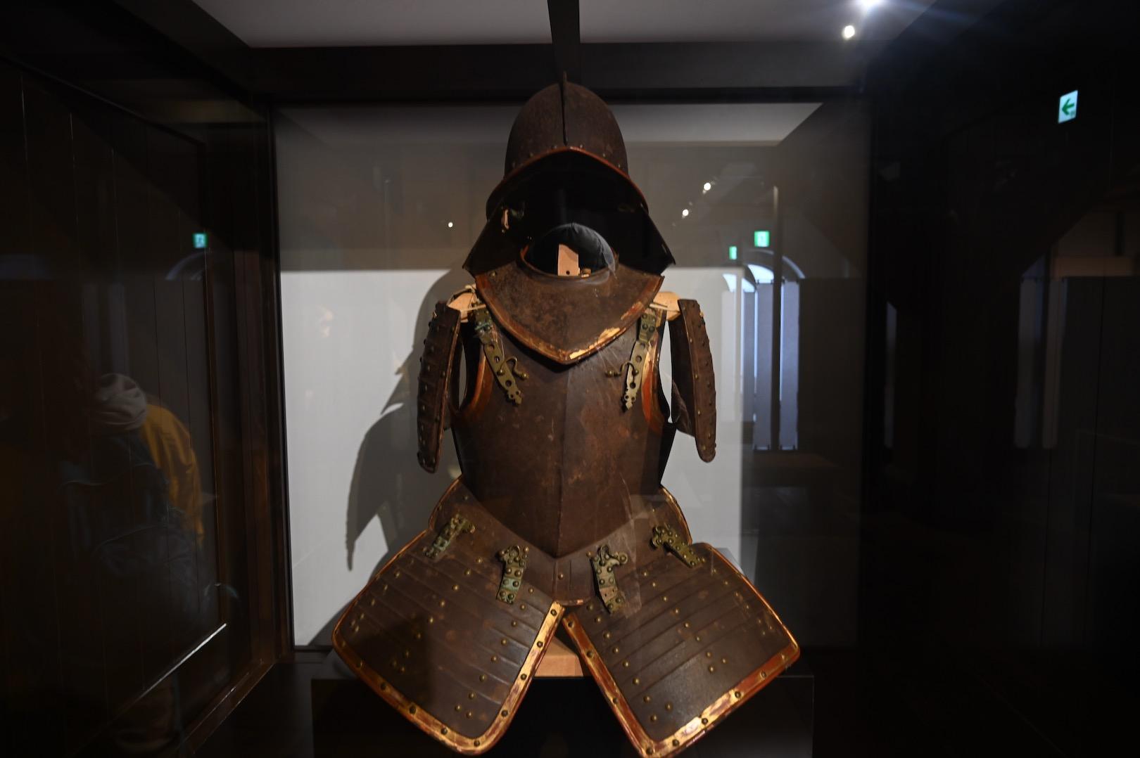 松浦家に伝わる西洋の甲冑