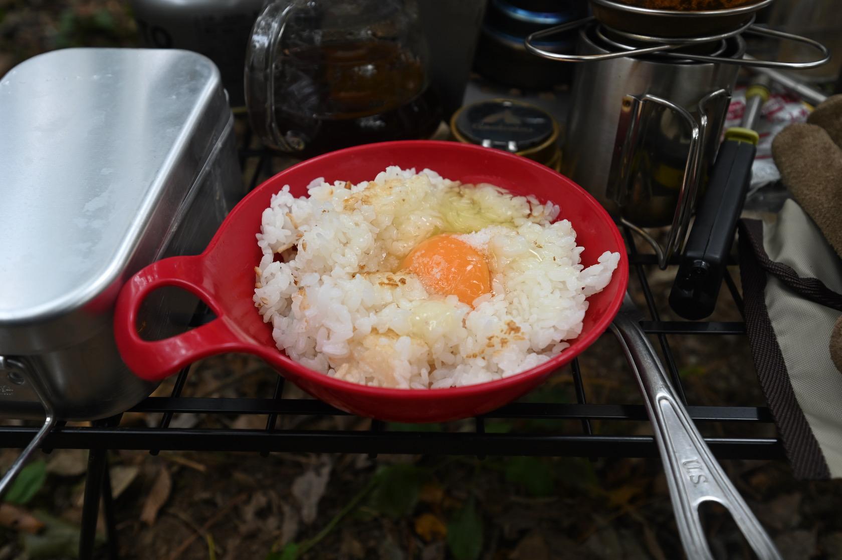 メスティンで炊いた米でたまごかけご飯