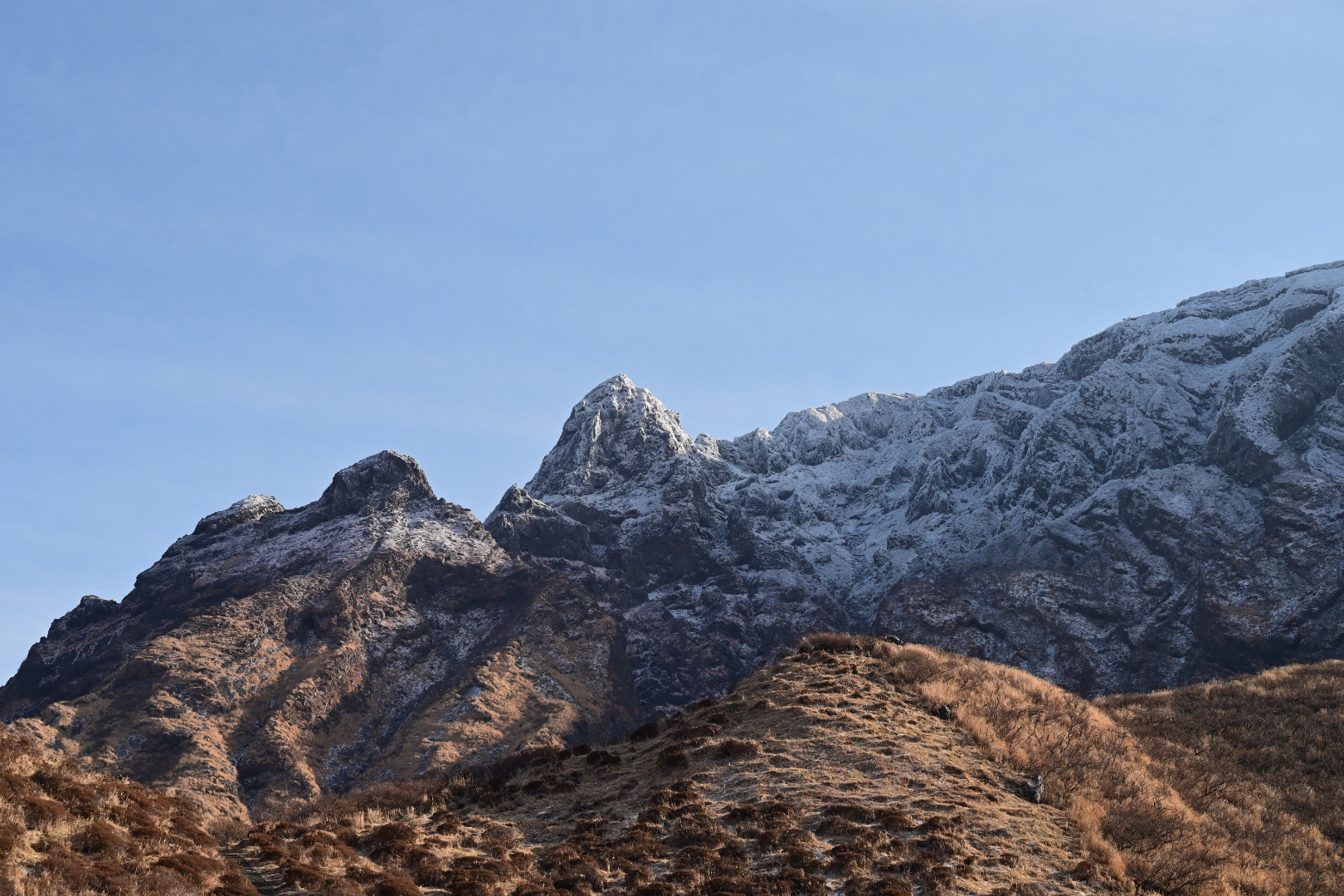 仙酔峡から見る鷲ヶ峰