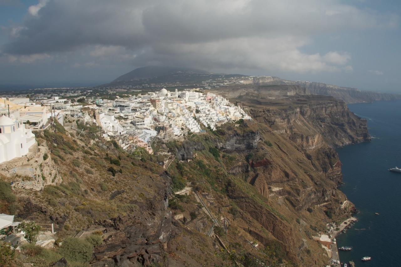 フィロステファーニから見るフィラ方面の景色