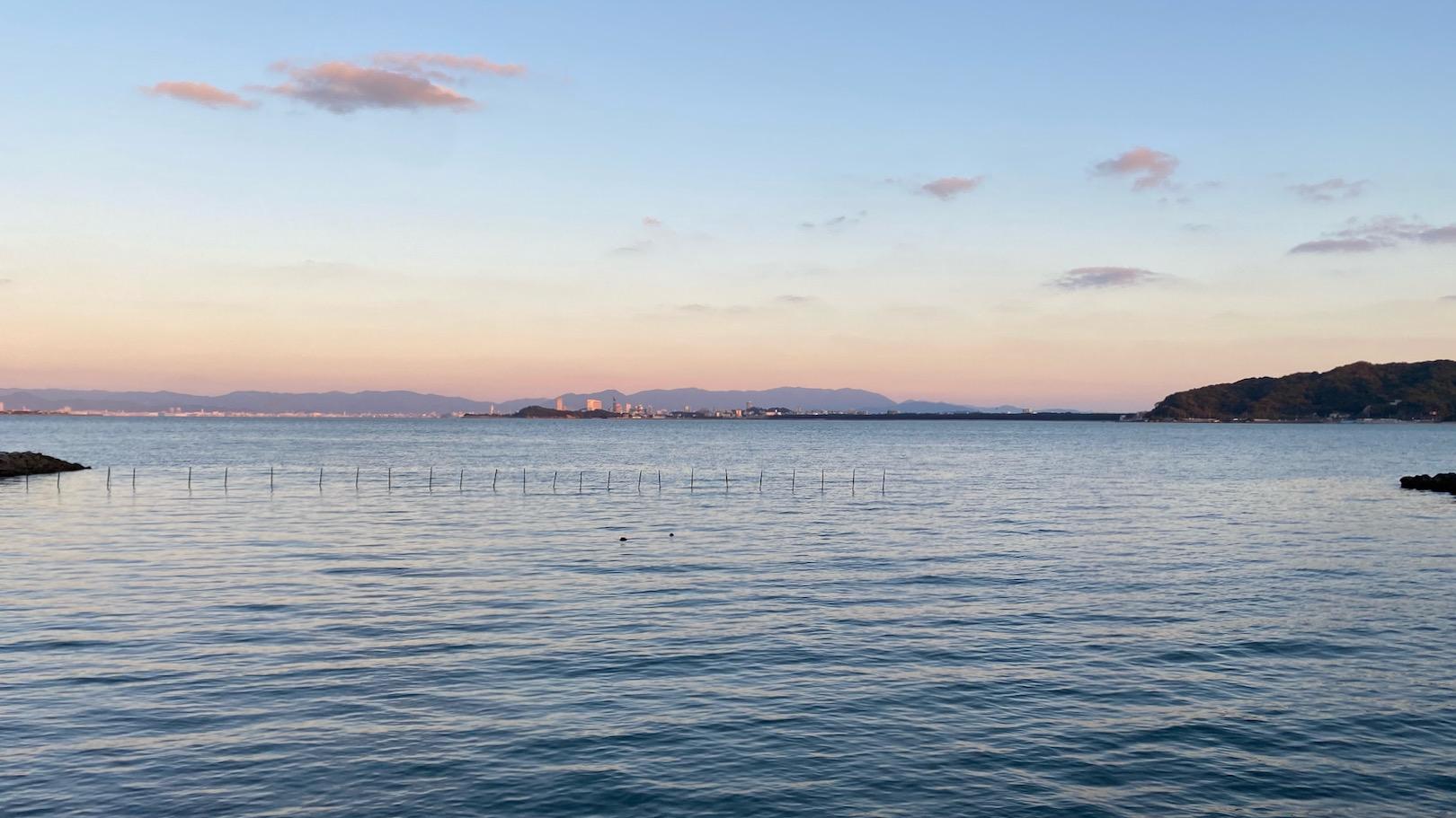夕刻の今津湾