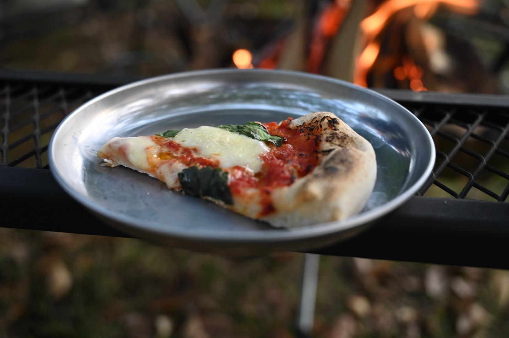 taketin さんが高級バーベキューグリルで焼いたピザ