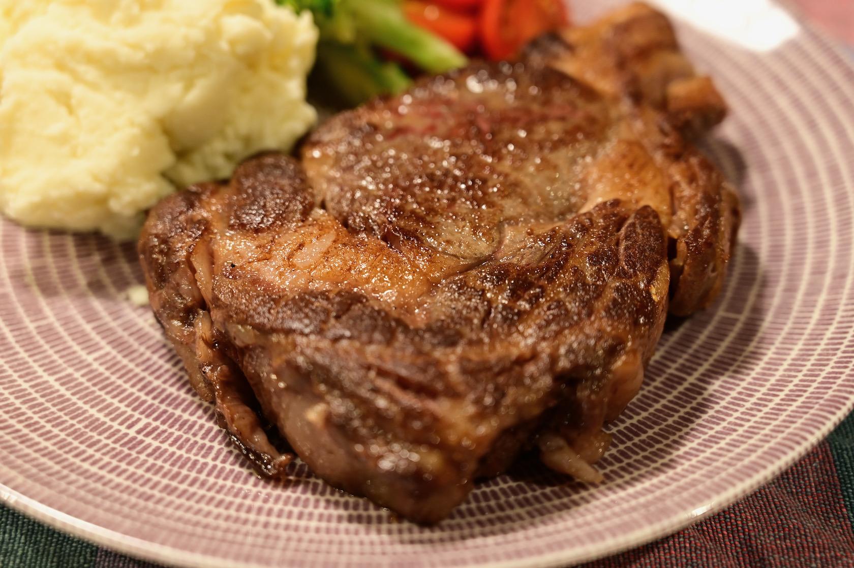 一切れ 3000 円の肉