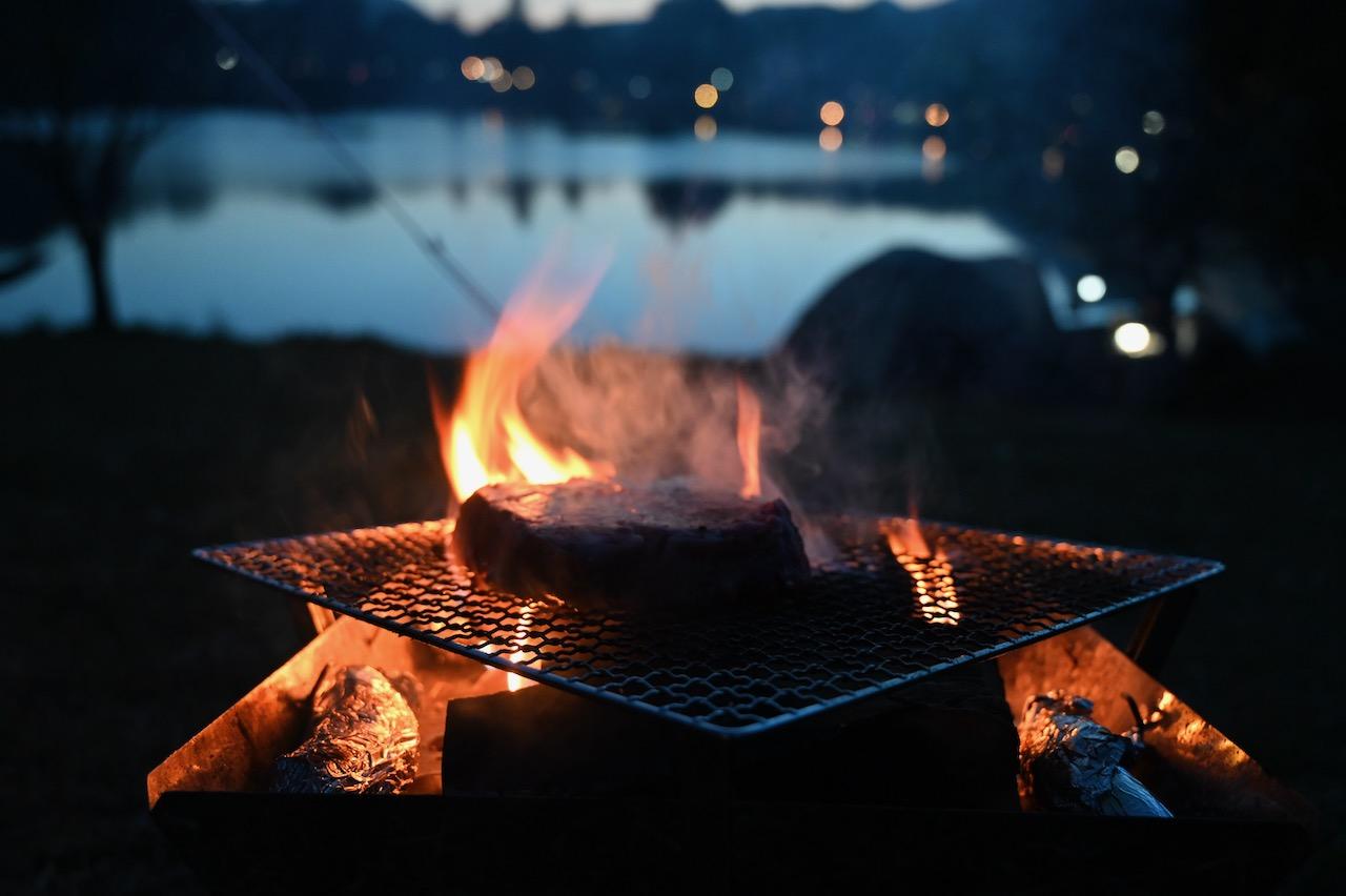 志高湖でキャンプ